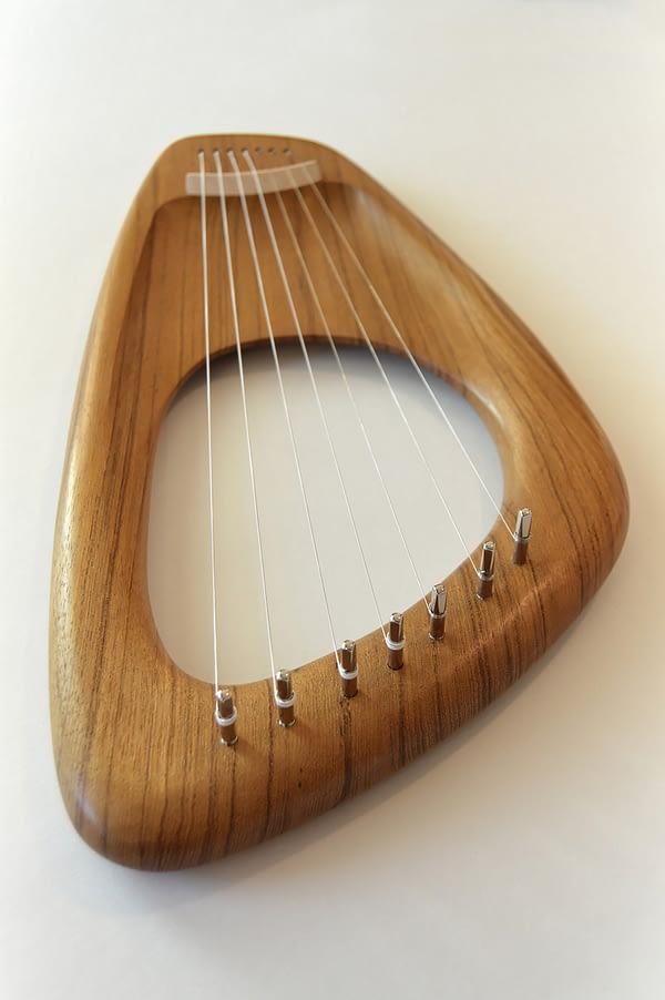 Walnut Lyre Harp 05