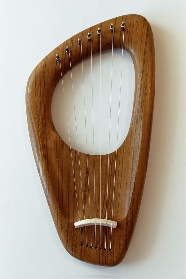 Walnut Lyre Harp 03